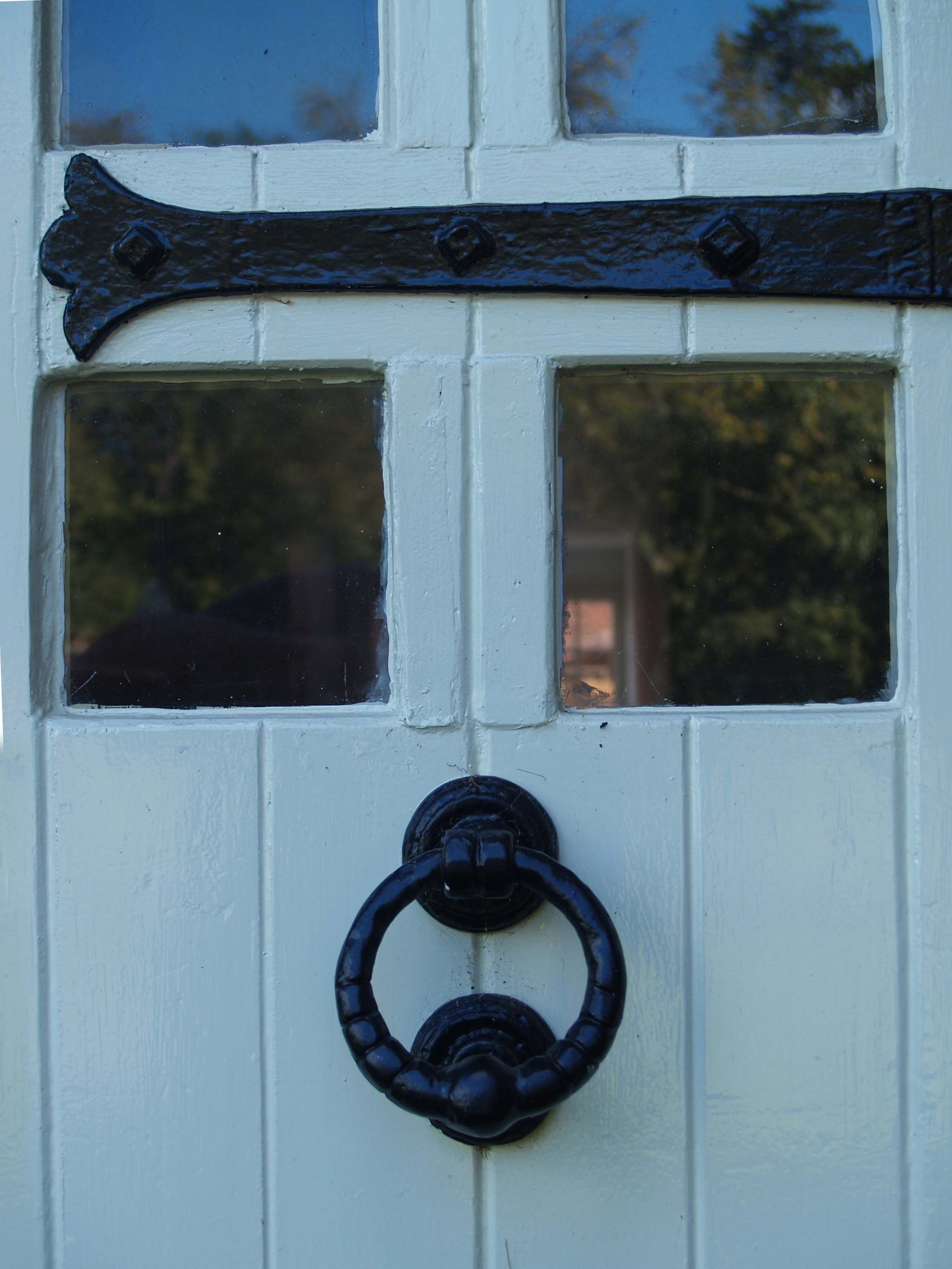 Iron knocker