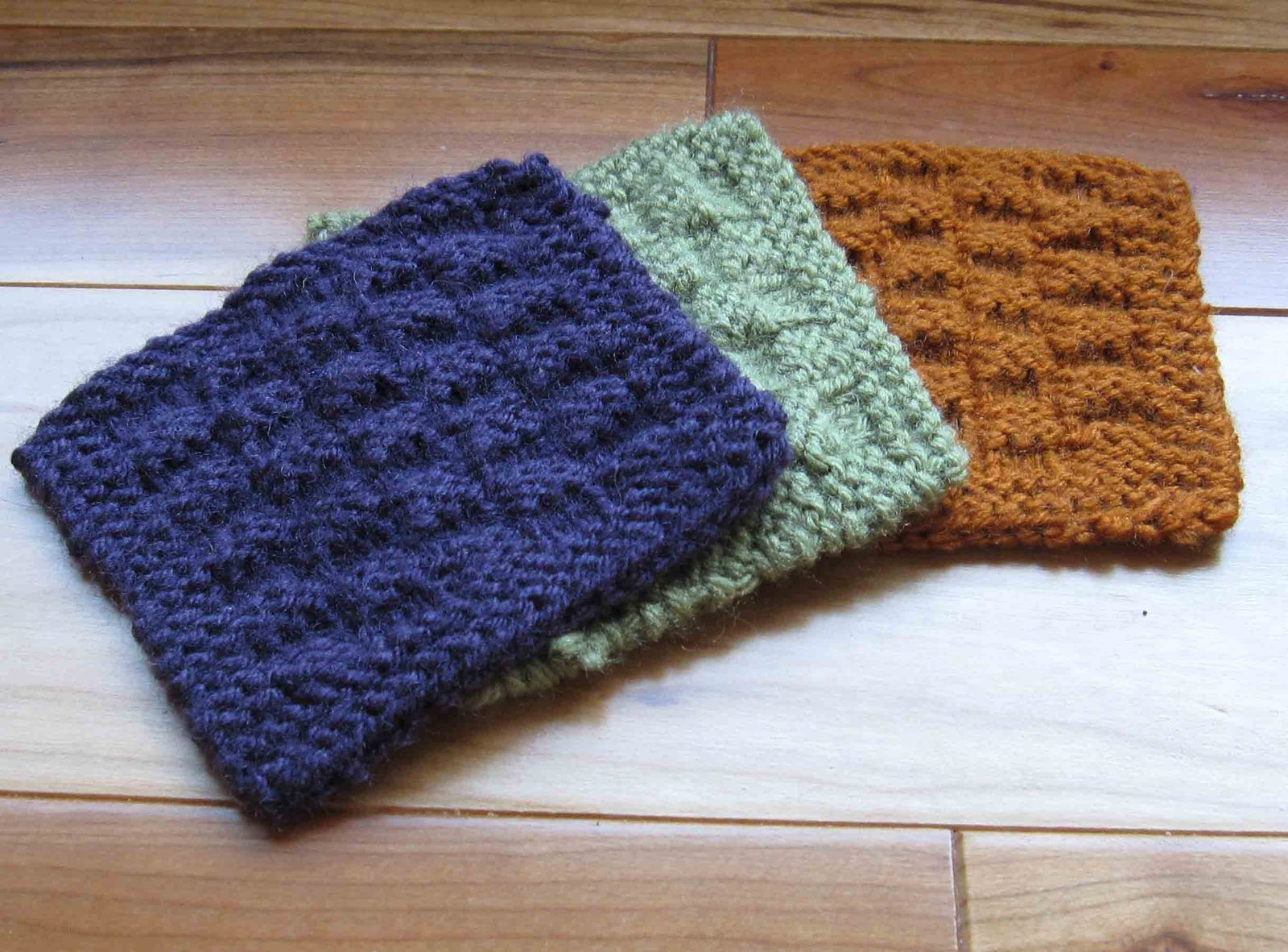 Cute knitted reversible coasters