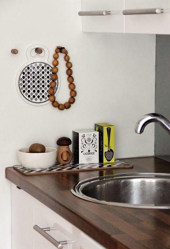 CIRKUS: DIY - nupit seinällä // DIY - hangers on the wall