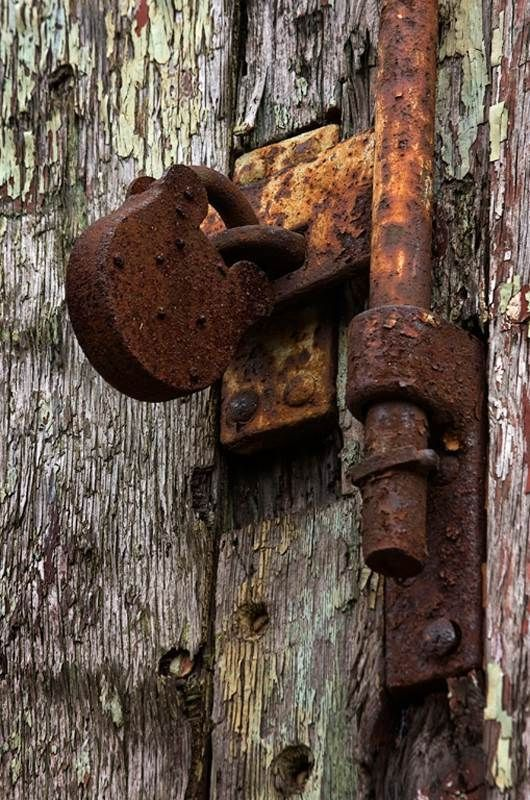 Pin By Cathy Blacksmith On Beautiful Doors Rusty Metal