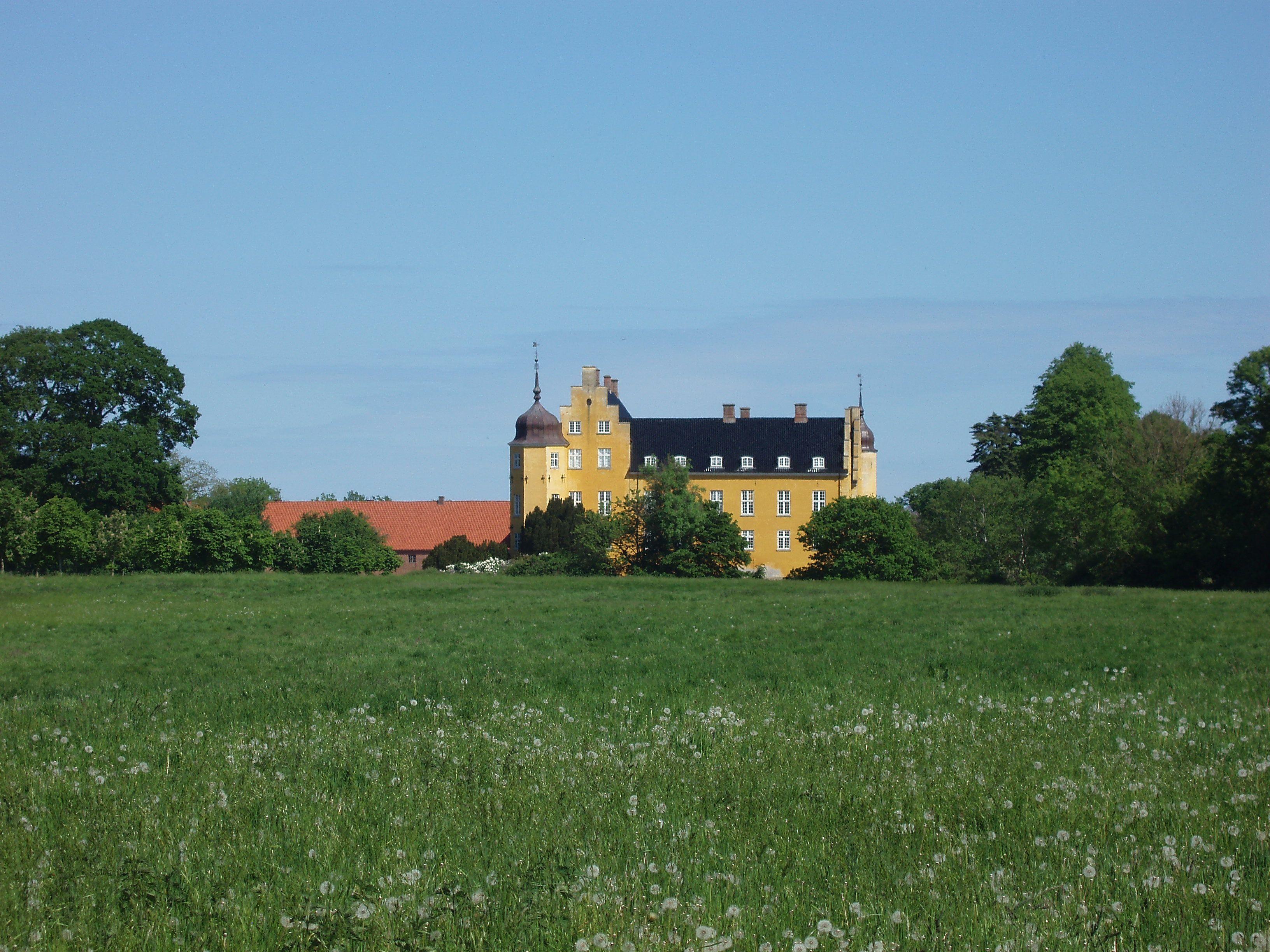 Krenkerup, Sakskøbing, Lolland,... Skovhaven... :-)