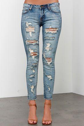 757ce57334 Arizona Distressed Medium Wash Ankle Skinny Jeans at Lulus.com! Pantalones