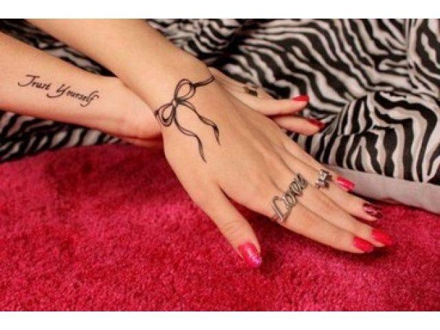 Wstążka Na Ręce świetna D Tatuaż Wrist Tattoos