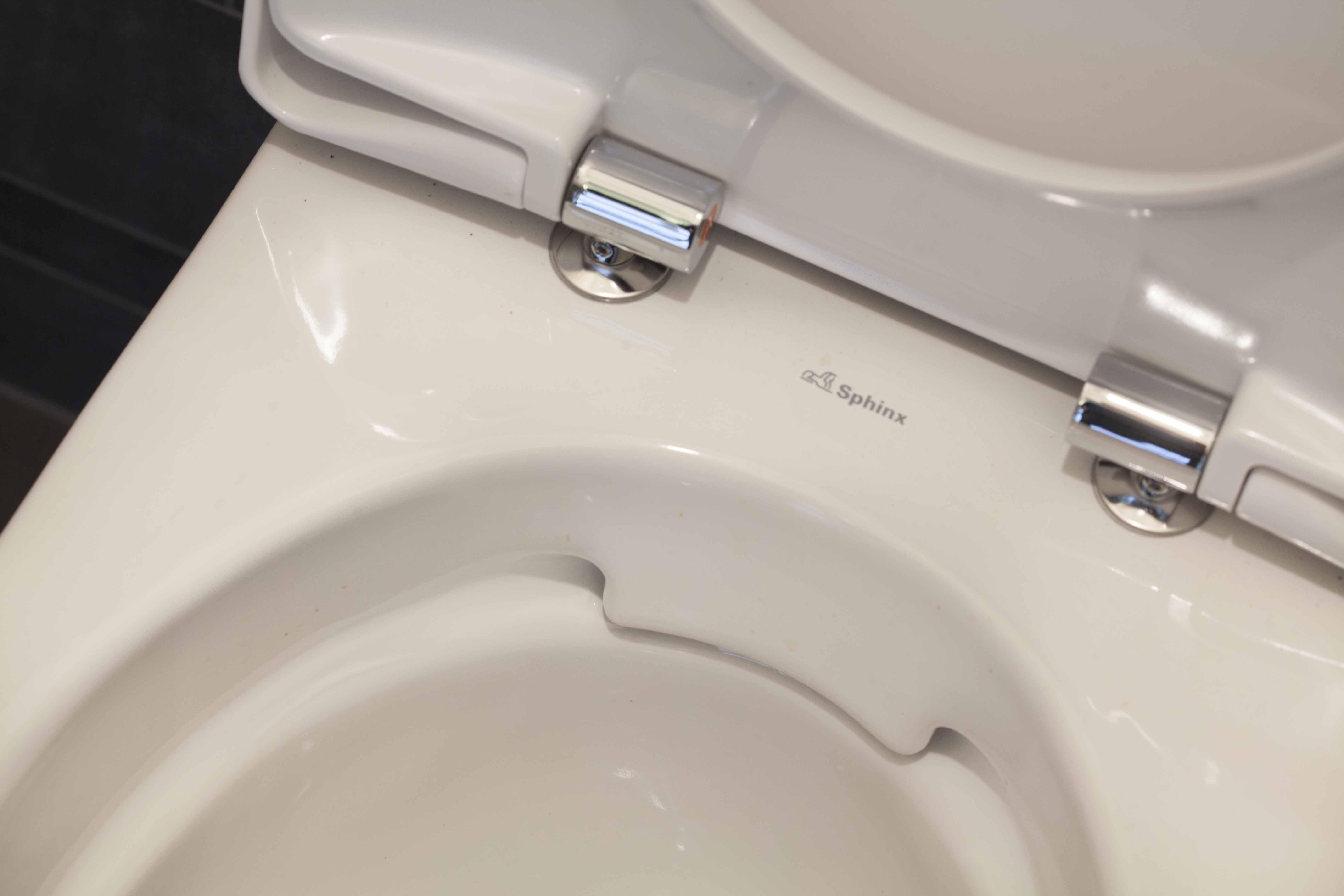 Sphinx Rimfree Toilet : Het toilet is voorzien van een sphinx rimfree toilet zonder