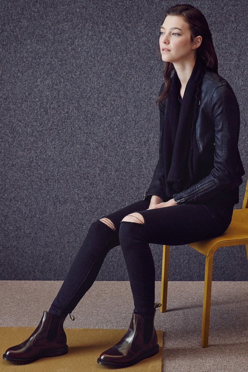 Style On A Shoestring September 2015 Shoe Steals Chelsea Boots Outfit Dr Martens Chelsea Chelsea Boots Women