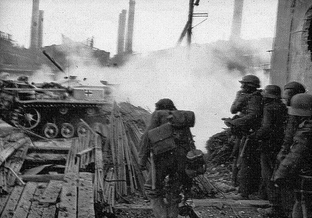 gep. Selb. für Stu.G. 7,5 cm Stu.K. 40 (L/43) Ausf. F (Sd.… | Flickr
