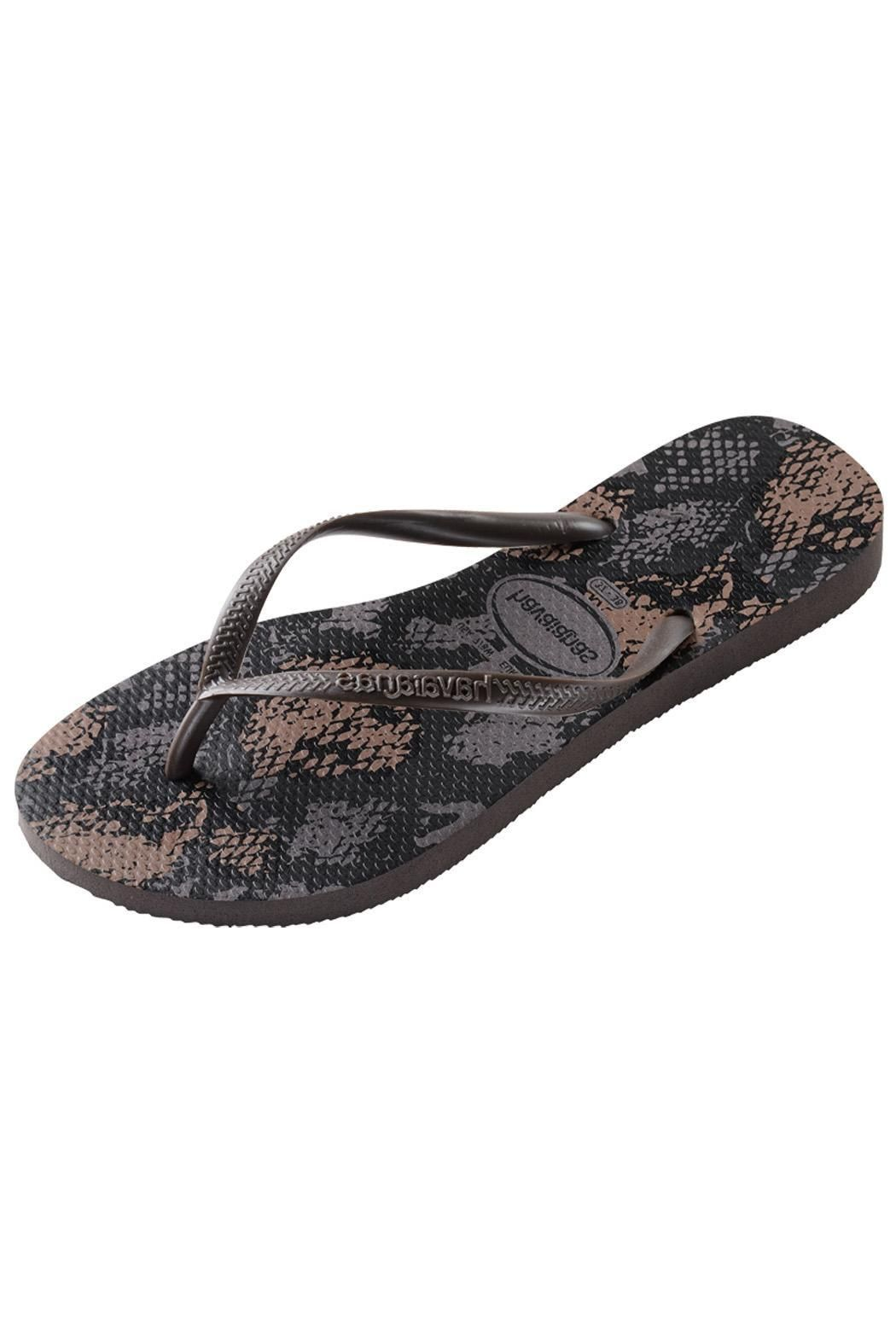 7a1c7ebda82a75 The Havaianas signature footbed is so comfortable you ll wear these all the  time! This color is called Fog. Brazil size conversion 35 36 ...