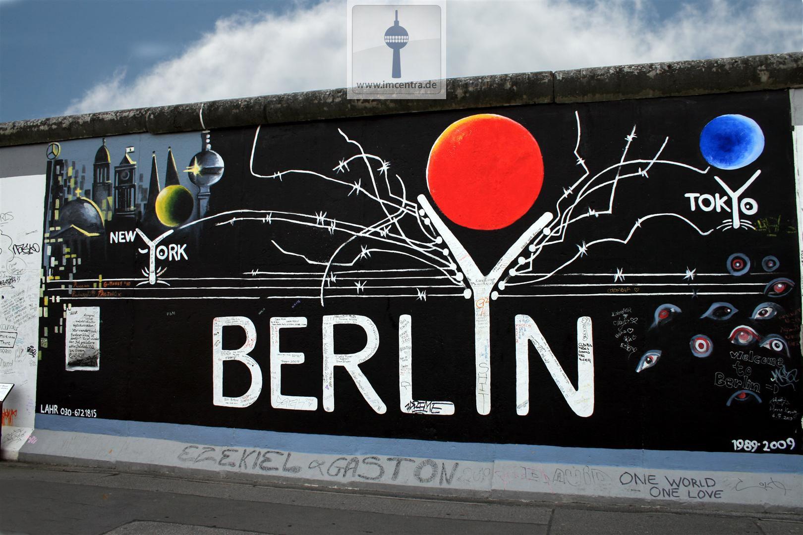Eastside Gallery Die Mauer Ihr Immobilienmakler Und Berlin Liebhaber Follow Us Www Imcentra De Berlin Immobilienmakler Bilder