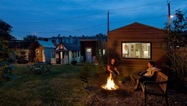The Minim House (210 Sq Ft) - TINY HOUSE TOWN