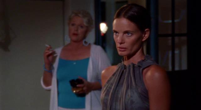 "Burn Notice 1x12 ""Loose Ends (2)"" - Fiona Glenanne (Gabrielle Anwar) & Madeline Westen (Sharon Gless)"