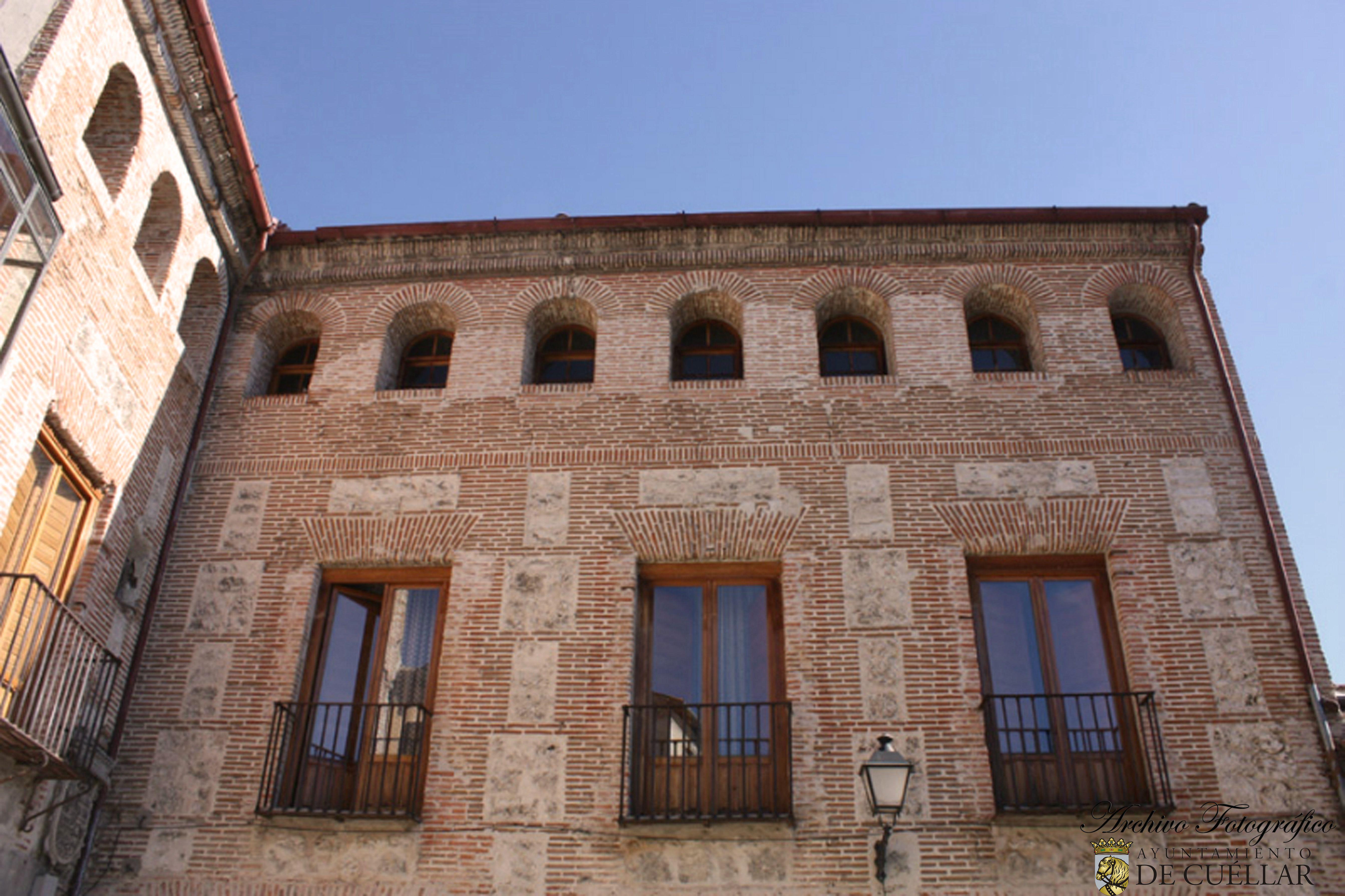 Palacio de Santa Cruz.Cuéllar ( Segovia) www.cuellar.es  Cuéllar Turismo