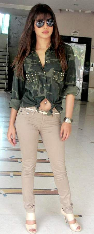 Priyanka Chopra Style- Colored Denims | Priyanka Chopra ...