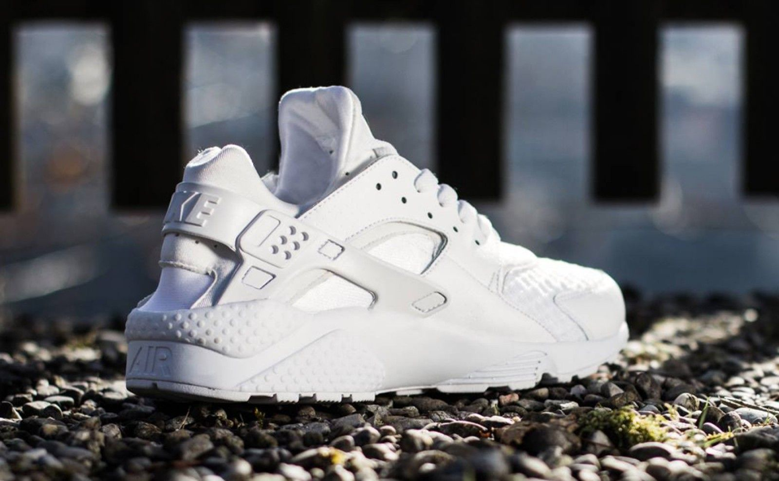 Nike Air Huarache Triple White 318429 111