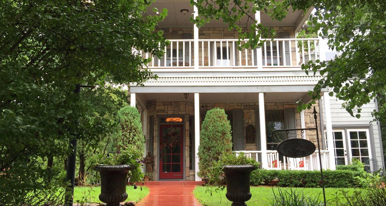 Elm Creek Manor Culinary Inn B&B in Muenster, Texas