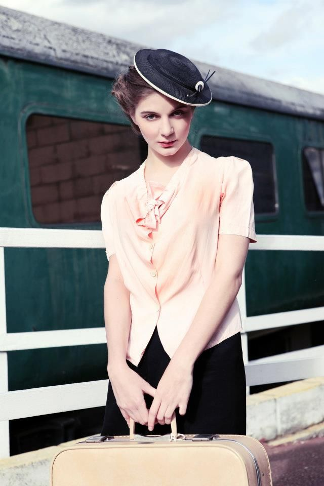 1940 S Style For You Vintage Fashion Shoot Nene Valley Railway 1940s Fashion Fashion Retro Fashion