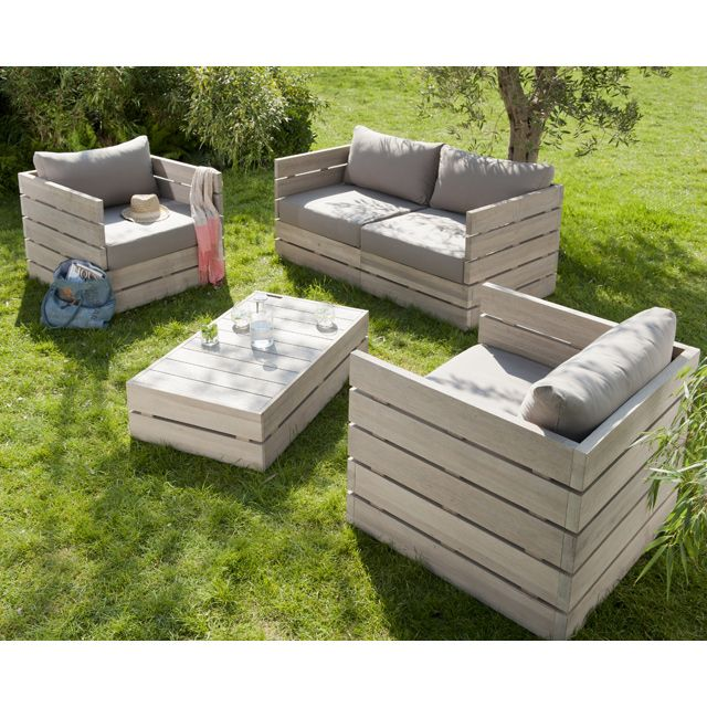 Outdoor pallet furniture absolutely in love with this for Modele de fauteuil en palette
