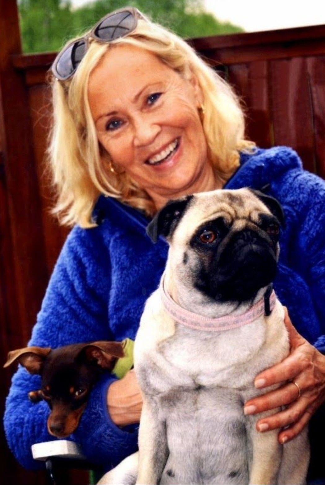 Agnetha Mit Ihren Hunden Bruno Und Bella Musik Erinnerungen Hunde
