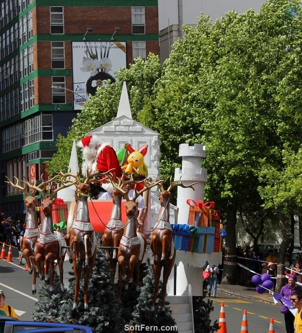 Auckland Farmers Santa Parade 2014. Part II  10 PHOTOS ... The Farmers Santa Parade began 80 years ago in 1934  http://softfern.com/NewsDtls.aspx?id=952&catgry=7