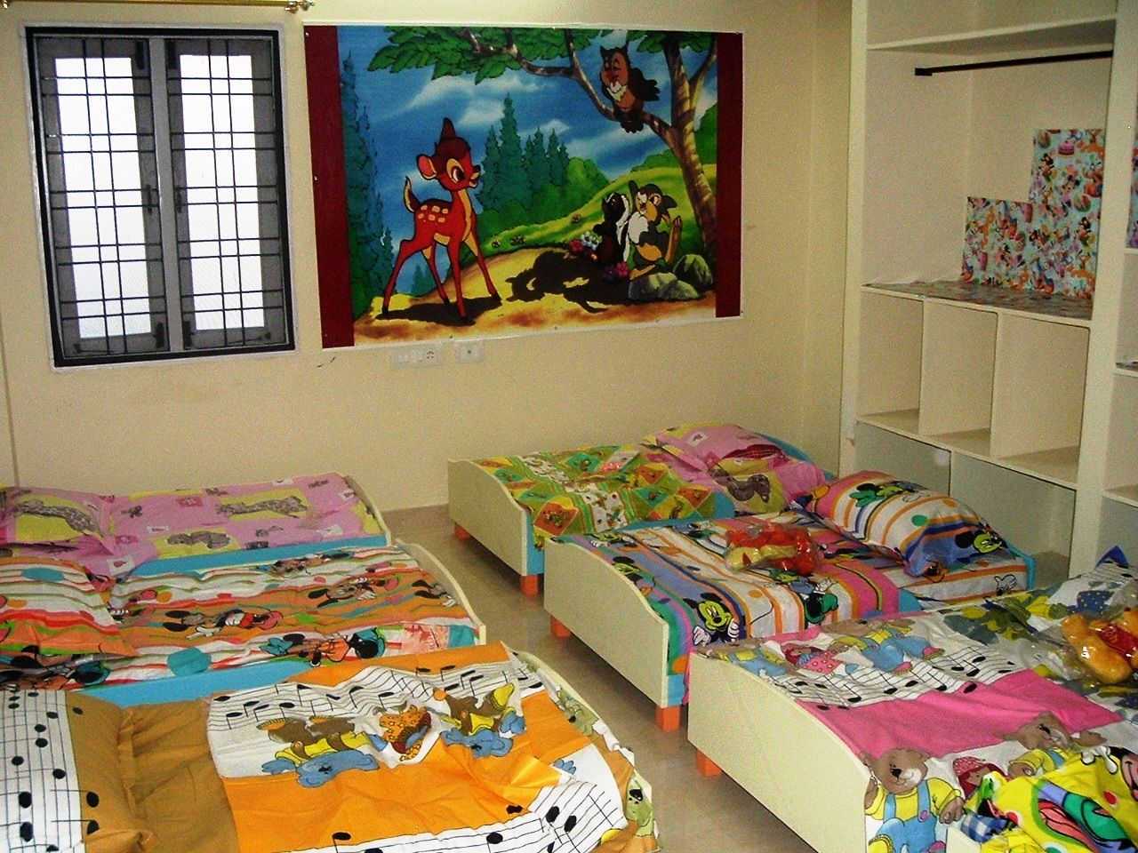 Pin by Evelyn Iravuhah on Daycare Centre   Daycare rooms ...
