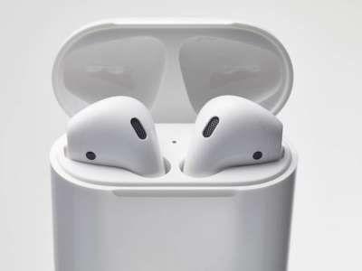 AirPods sau Apple Watch 2 ? Iata care dintre cele doua produse atrage interesul consumatorilor