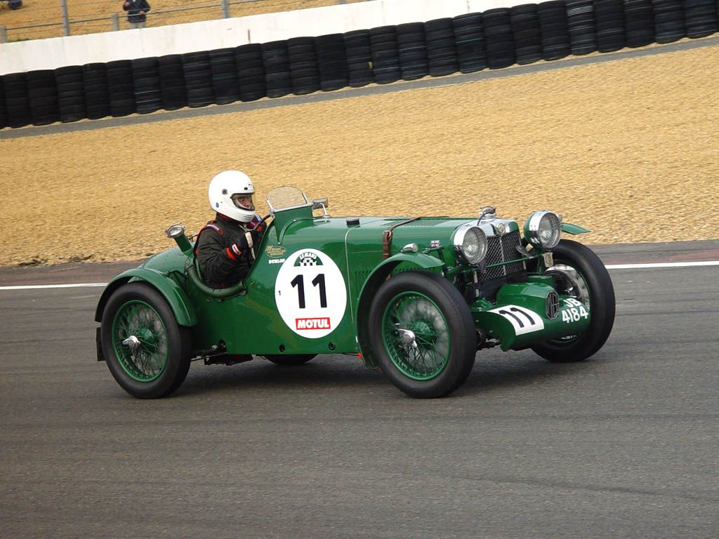 RACE old cars | MG K3 Magnette Sport Classic Cars Race | Animals ...