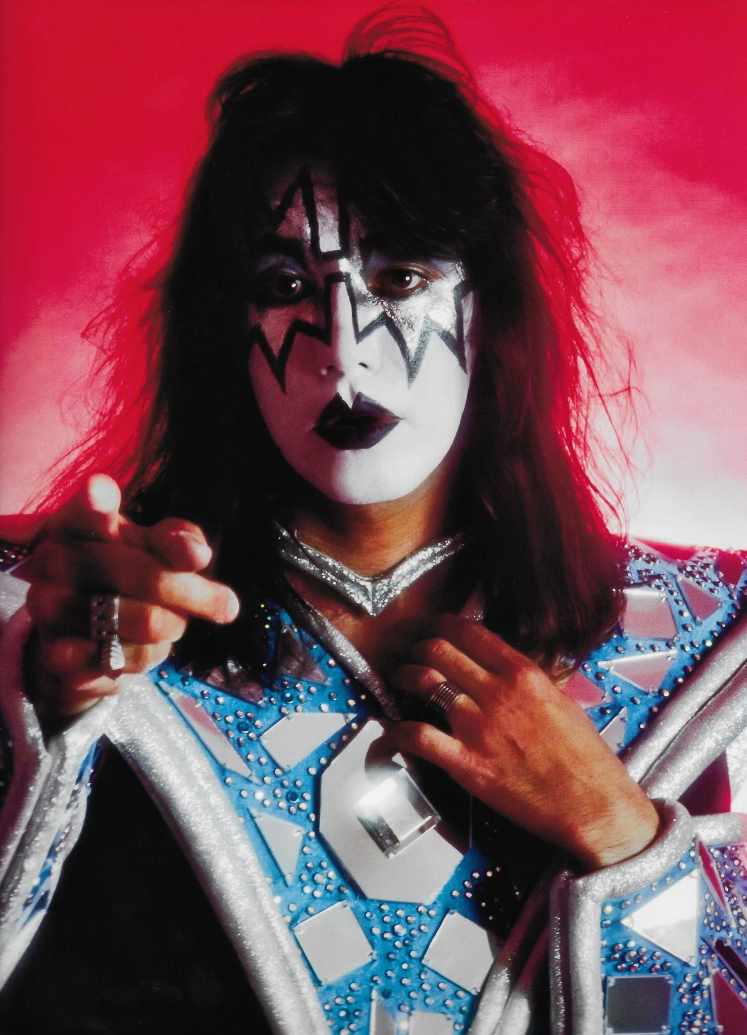 kiss ace frehley 1979 music and musicians in 2019 kiss ace frehley kiss me love. Black Bedroom Furniture Sets. Home Design Ideas