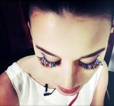 #AWESOME I LOVE her eyelashes