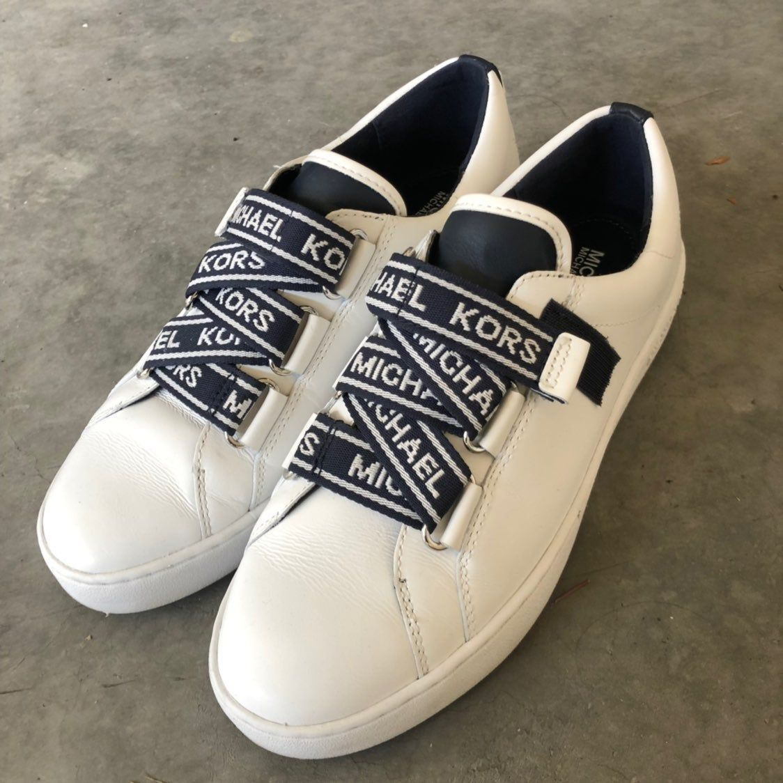 Casey Logo Tape Leather Sneakers