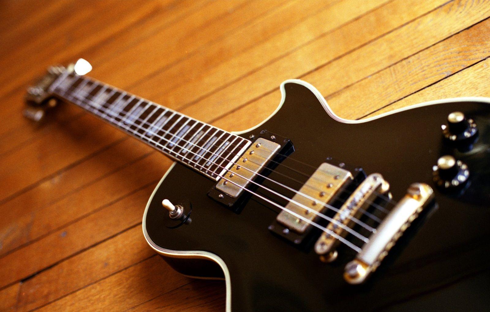 1976 IBANEZ 2350 LES PAUL BLACK BEAUTY COPY Guitars