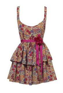 Moda Juvenil : Vestidos Floreados Cortos