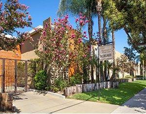 Suburban La Community Sells For 20m Suburban Villa Hermosa Norwalk