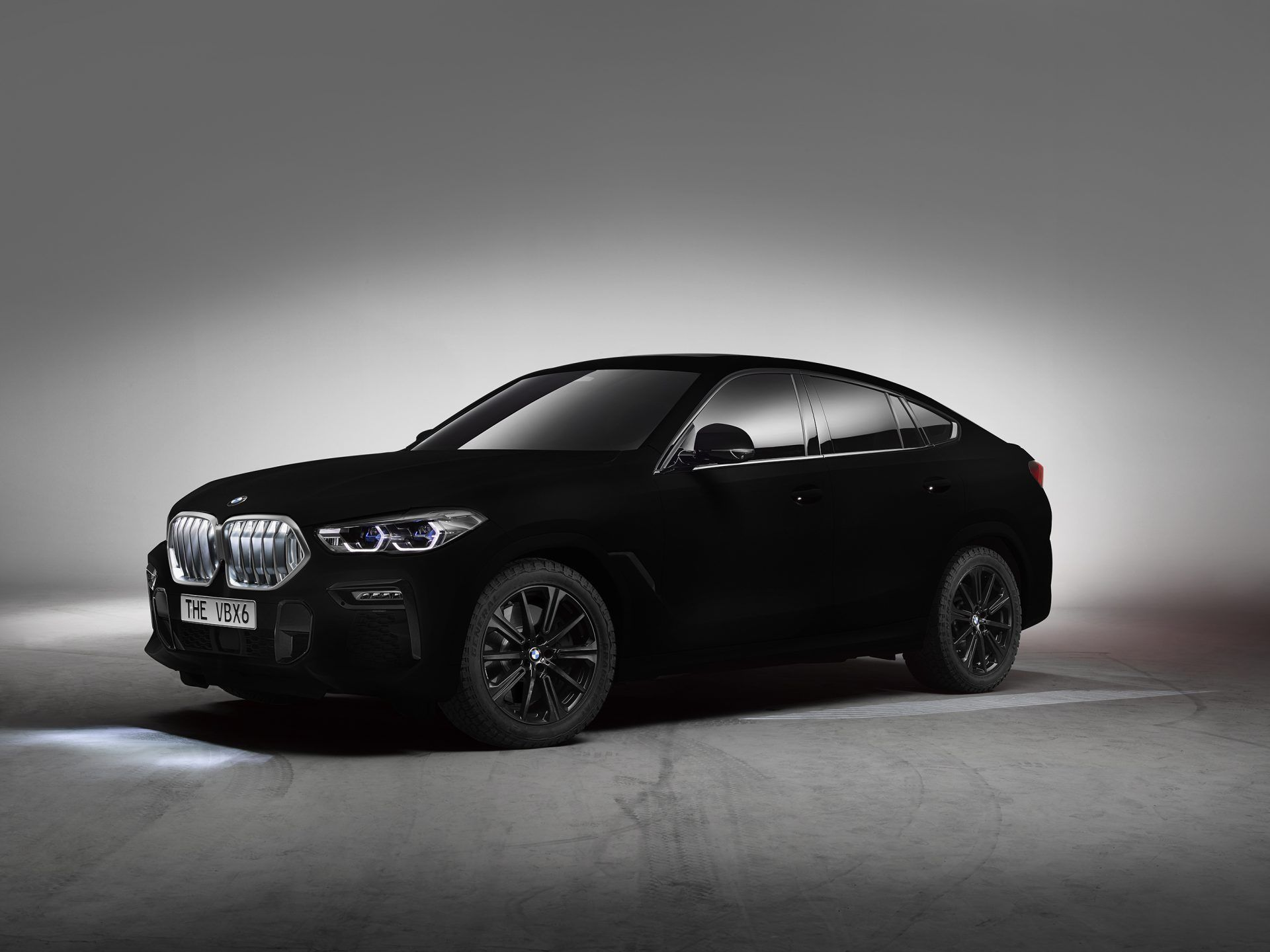 The 2020 Bmw X6 Gets A Vantablack Paint Job That Absorbs Light Bmw X6 Bmw Suv Bmw