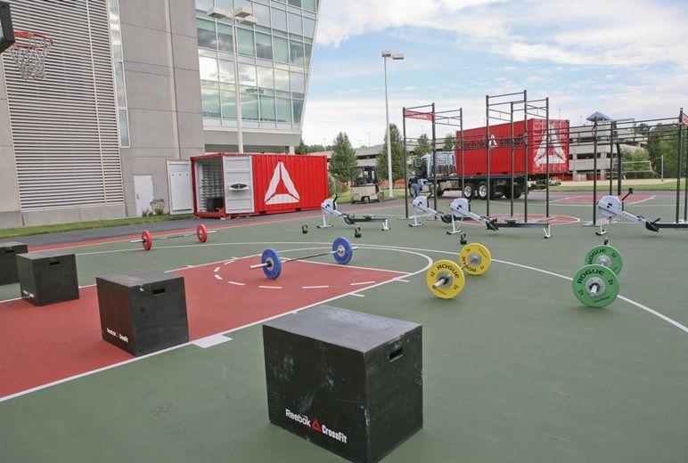 Outside Crossfit Container Concept En 2019 Arquitectura
