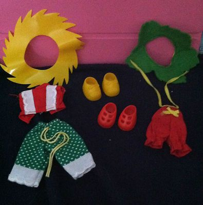 Vintage Strawberry Shortcake Berry Wear outfits 2 w/shoes Kenner 1980s
