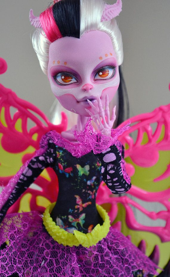 Monster high bonita femur repaint sale by beautybybotfly - Monster high bonita ...
