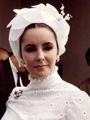 24456d2414b3a8 Elizabeth Taylor. Style. White turban hat | Hats, Scarfs & Gloves in ...