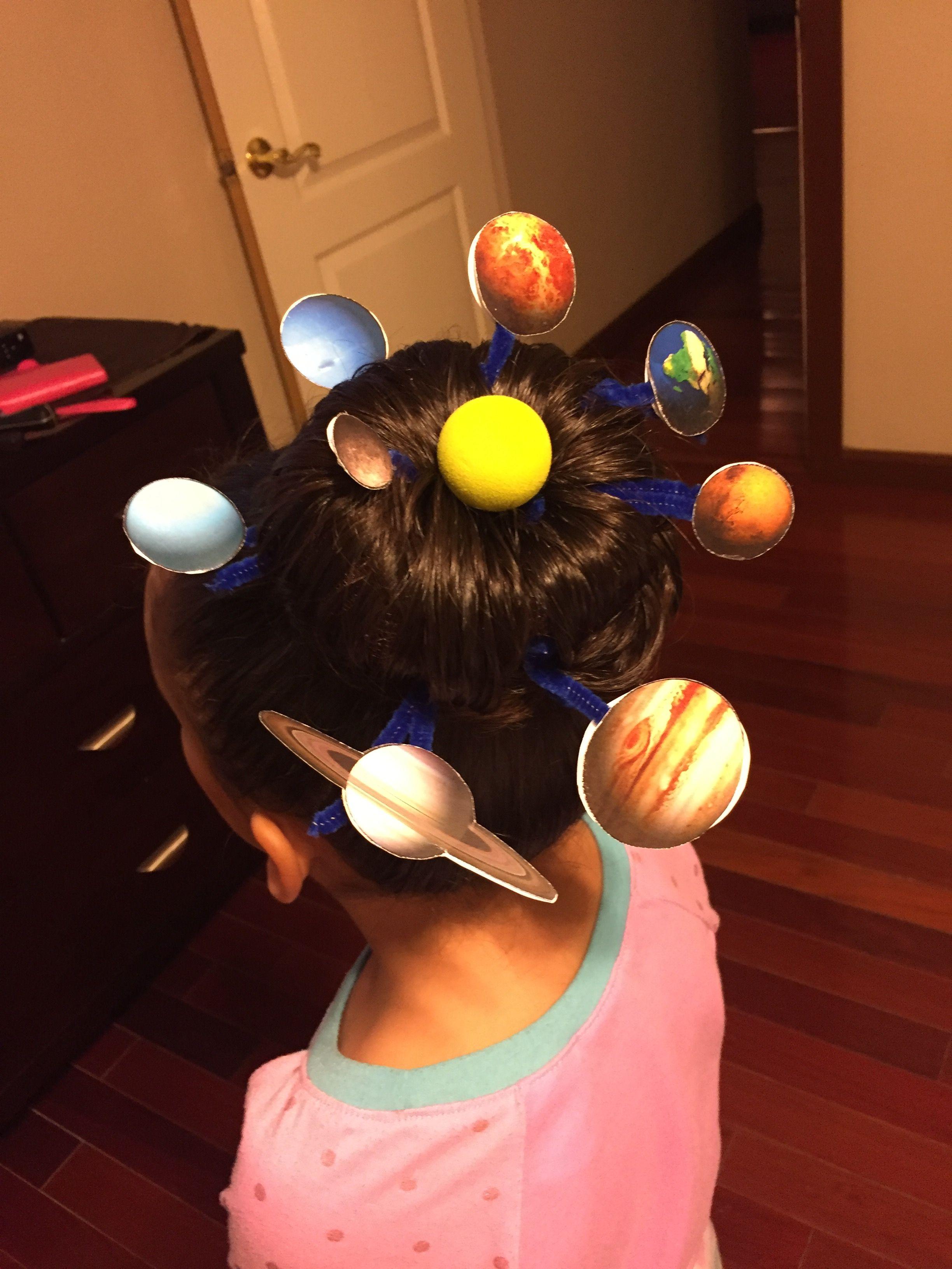 Formas modernas de peinados divertidos para niñas Fotos de estilo de color de pelo - Solar system themed crazy hair day for Drug Free week ...