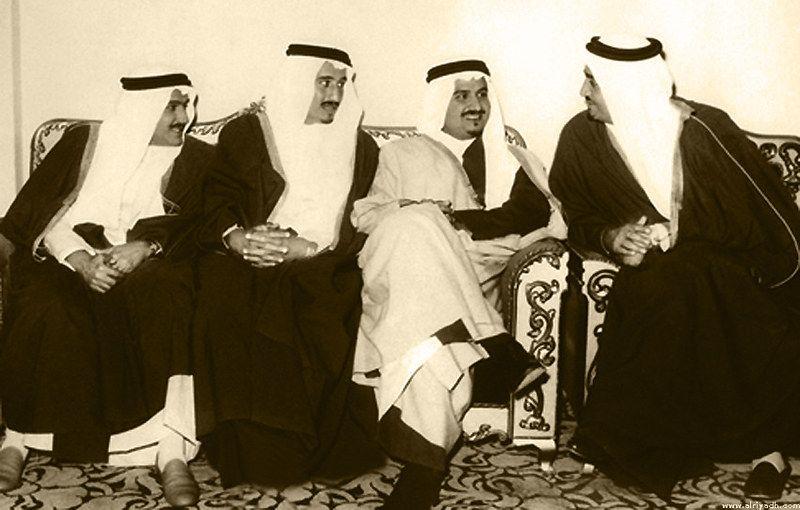 733f5cf37522fdd8cd8e13fe9000a508من اليمين الملك فهد والأمير سلطان والملك سلمان والأمير تركي بن عبدالعزيز Face Art My Photos Royal Family
