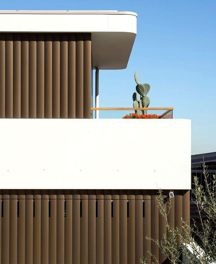 Australian Home Kombiniert Die Charms Der 50er Und 60er Coastal Bungalows  #architekturhaus #architekturhausluxus #hausideen #landhaus #dekoideen # ...