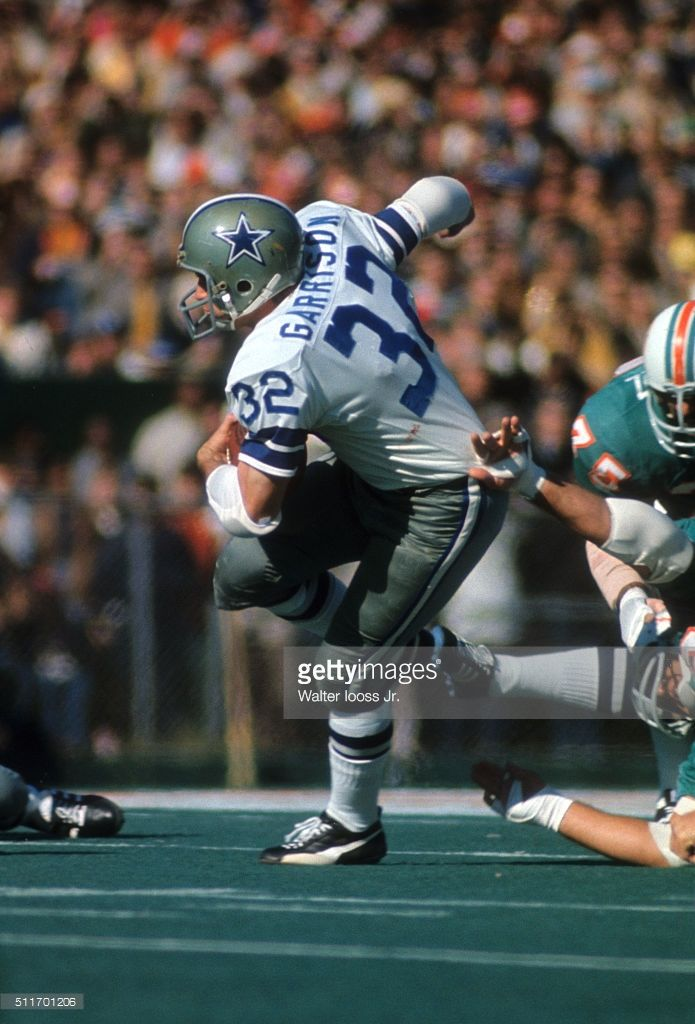 9c8e64fc3d3 Dallas Cowboys Walt Garrison (32) in action, rushing vs Miami Dolphins at  Tulane Stadium. Cover. Walter Iooss Jr. X16492 )