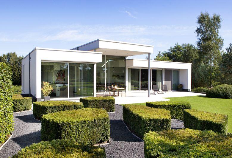 Schellen architecten balen exterieur achtergevel door grote ramen veel uitzicht in de groene - Huis exterieur model ...