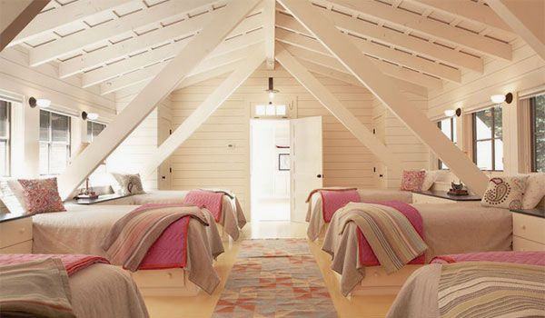 Chic Attic Bedroom Design with Many Beds for Big Family Ideas ...