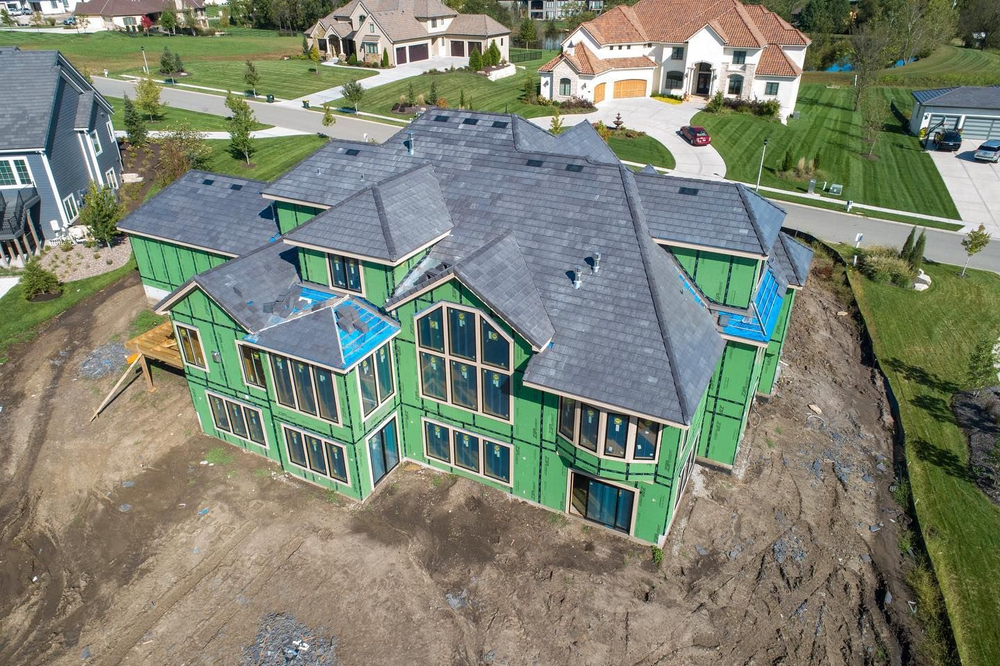 Well Hello There Progress This Custom Home In The Farm At Garnet Hill Is Going To Be Absolutely Beautiful W House Exterior Real Estate Overland Park Ks