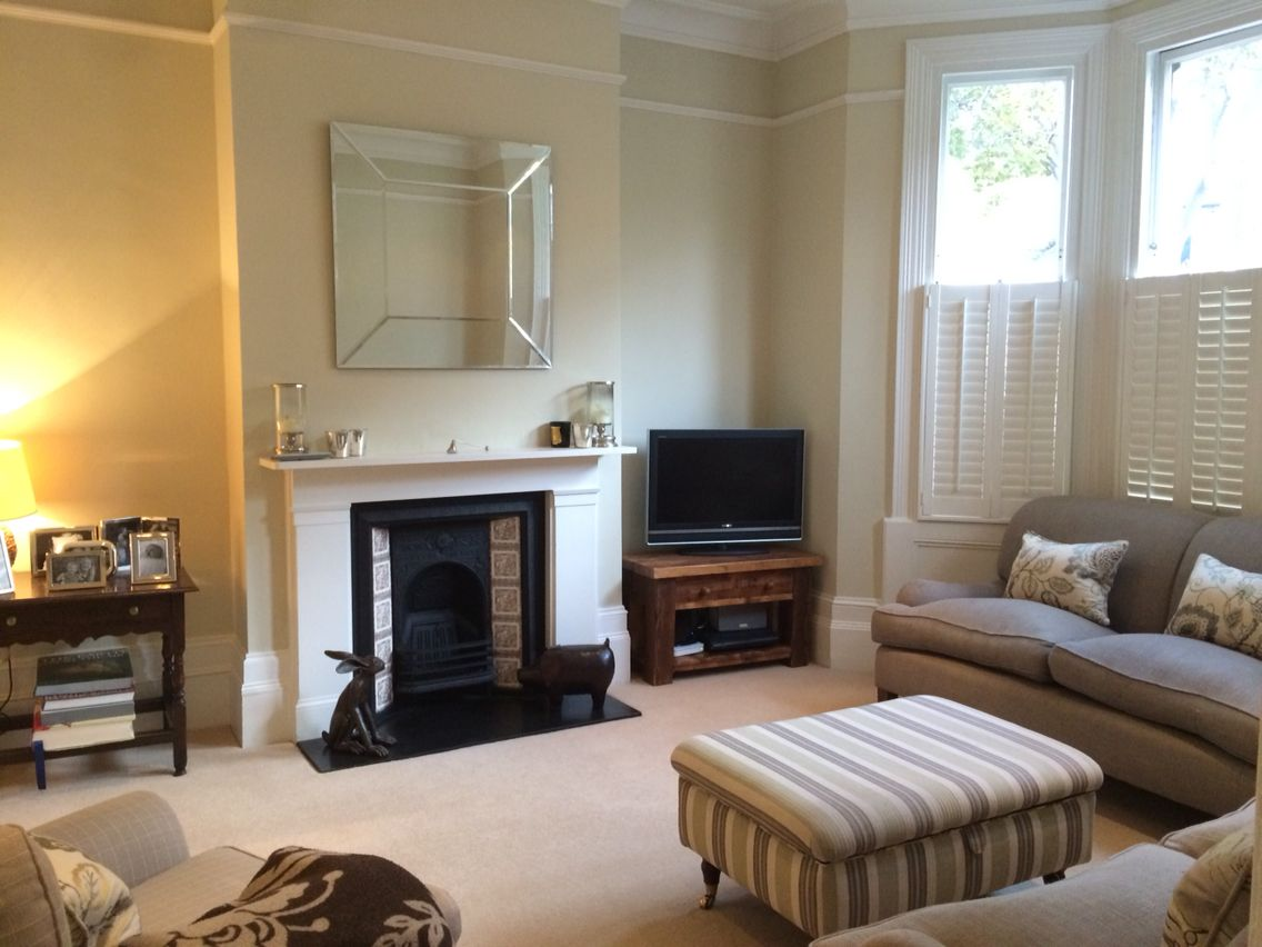 Sitting room Farrow and ball off white Fabrics zimmer and rhode ...