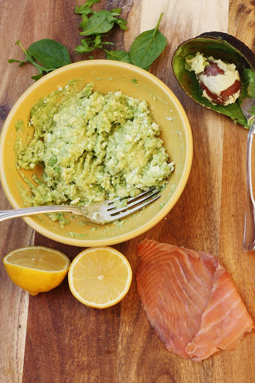 Smoked salmon bruschetta with smashed avocado & feta - a super healthy & luxurious little snack!