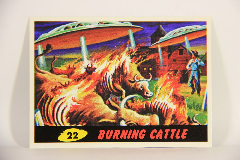 L007285 mars attacks 1994 trading card burning cattle