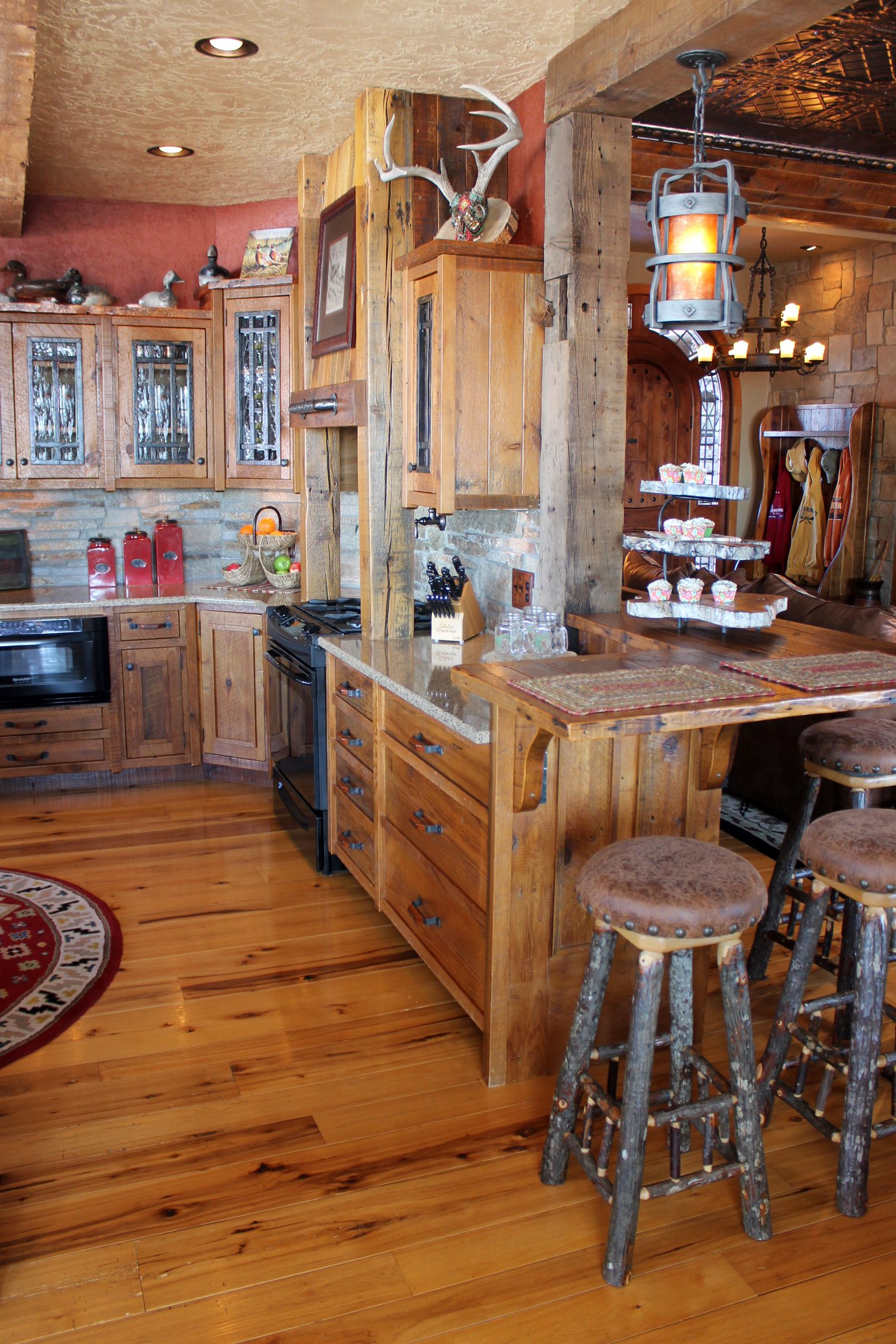 Rustic Reclaimed Barnwood Custom Kitchen Cabinets Wrought Iron Hardware Roughing It In Style De Reclaimed Barn Wood Custom Kitchen Cabinets Kitchen Interior