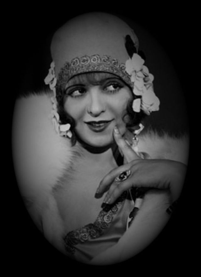 """Clara Bow (""""the It Girl"""")...also could pass as a good """"Thoroughly Modern Millie"""" type costume"""