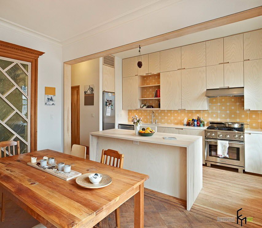 10 Inspiring Kitchens With Blond Wood