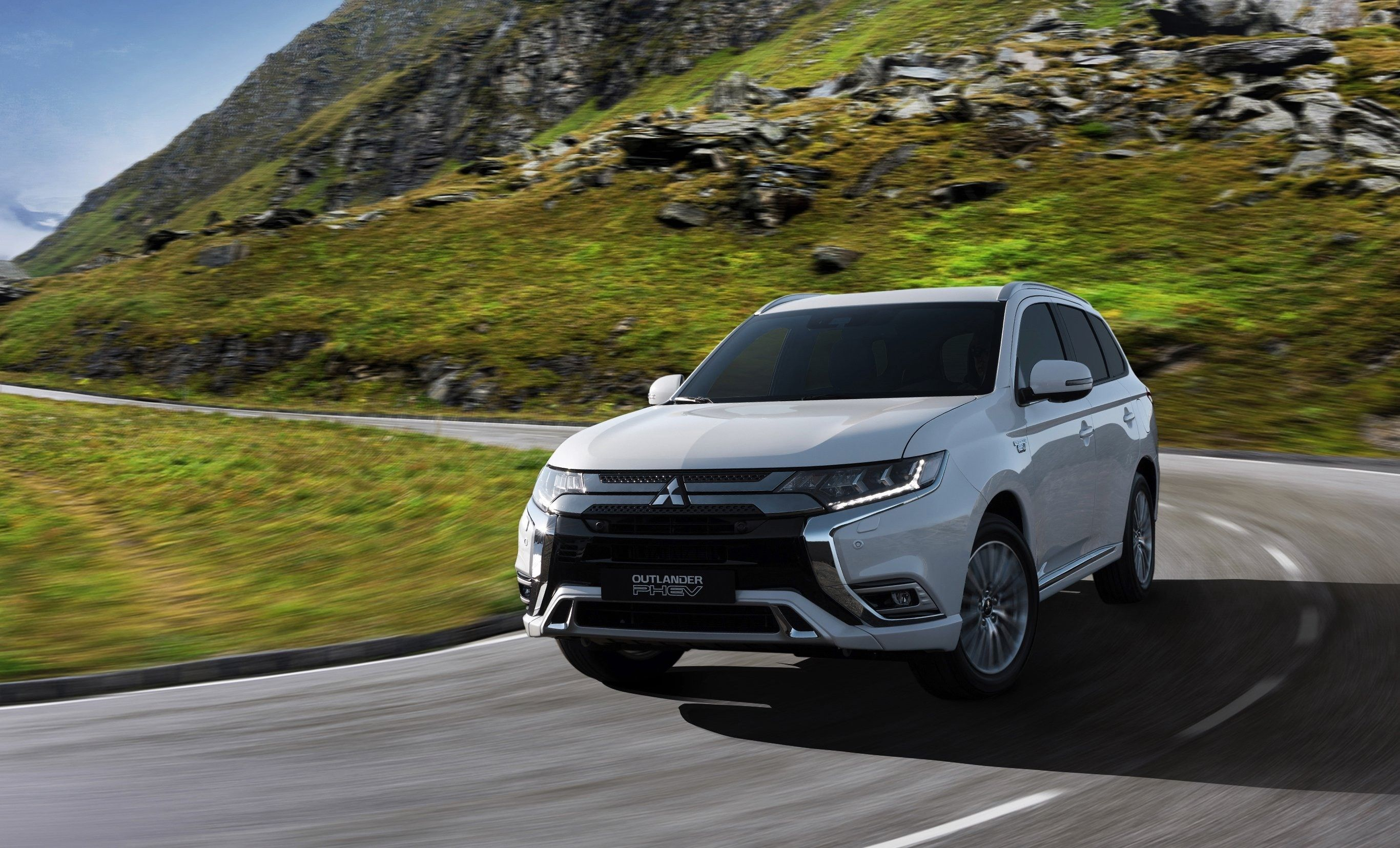 2019 Mitsubishi Outlander Mpg Review Specs And Release Date Redesign Price And Review Concep Outlander Phev Mitsubishi Outlander Mitsubishi Outlander Sport